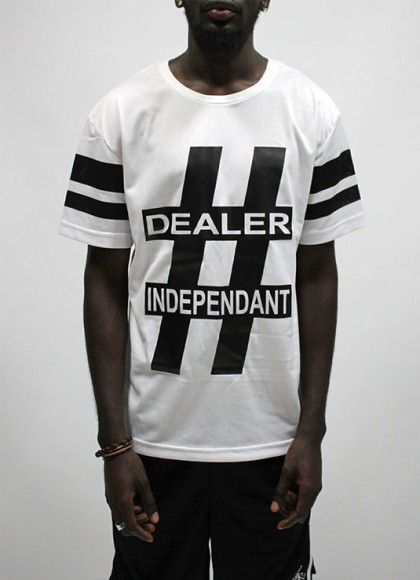 Tee Classic Mens Dealer independant white